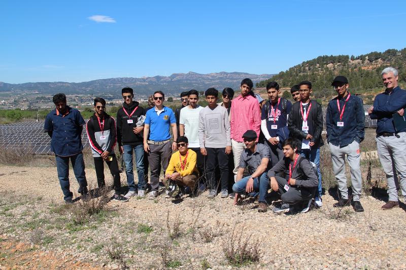 Visita de ingenieros de la Universitad de Dubai